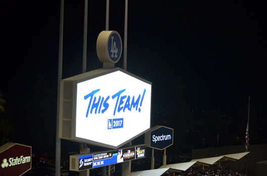 dodger-stadium-lights-this-team