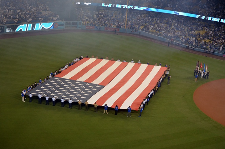 dodgers-stadium-american-flag